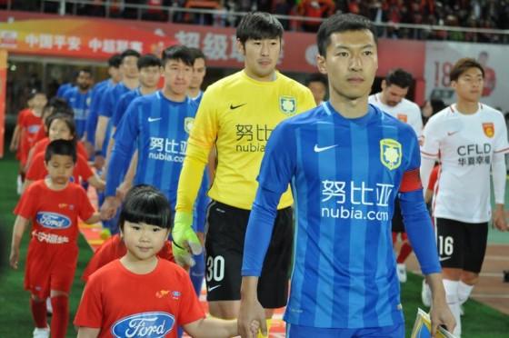 花盆/陈天阳)2015年4月2日中超联赛第三轮河北华夏幸福足球队在主场